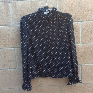 Adorable Button up top size 8